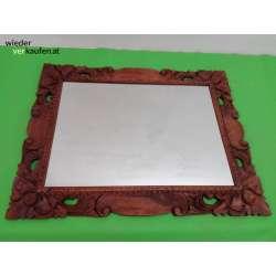 Spiegel mit schönem Holzrahmen