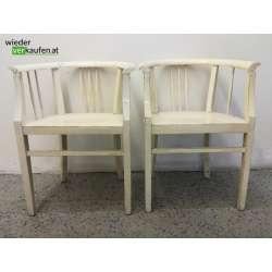 2 weiße Holzsessel mit...