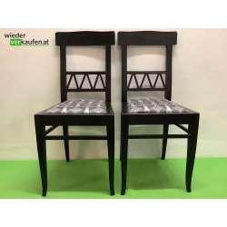 Schwarzer Sessel im...