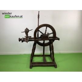Antikes Spinnrad aus Holz,...